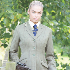 Picking the right Tweed Jacket for you and your horse!
