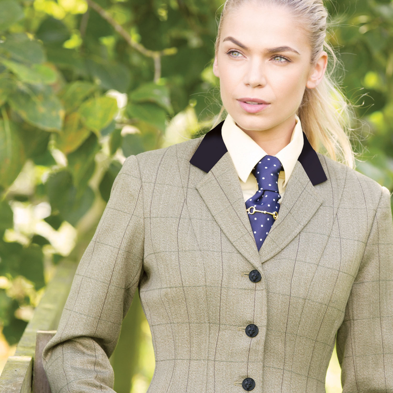 Deluxe Tweeds that will have you picture perfect this show season!