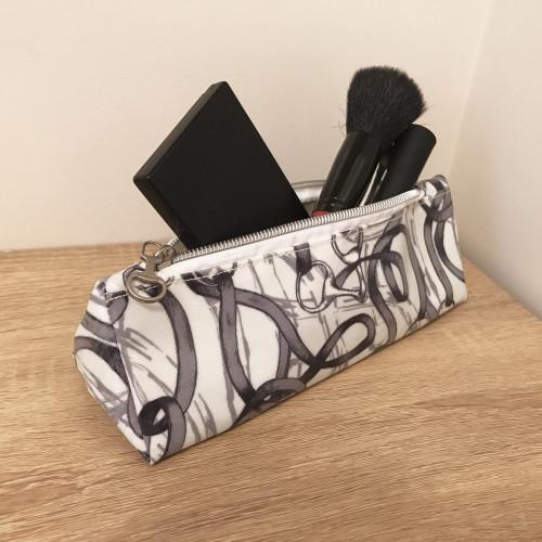 Bridles Oilcloth Make-Up Bag - One size